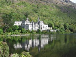 Tours of Kylemore Abbey - Occasion Cars